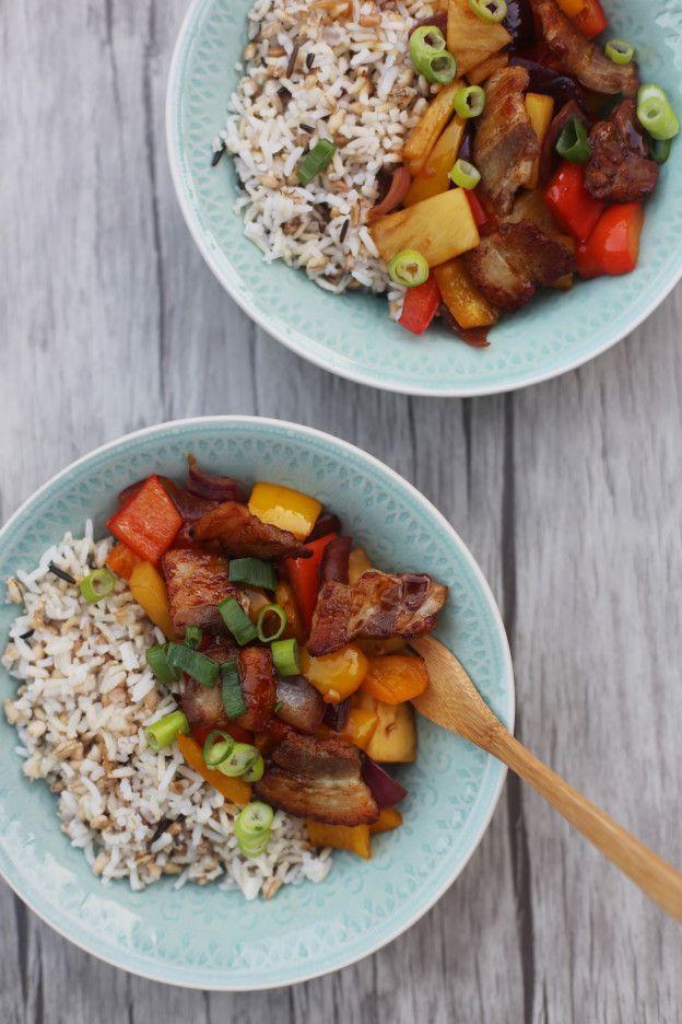 Teriyaki speklapjes uit de wok met ananas en paprika | Zoet zuur | Snel op tafel | Taste Our Joy!
