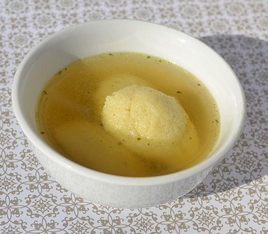 Diese Grießnockerl lassen sich gut formen, werden schön locker und sind geschmacklich perfekt. Ein tolles, einfaches Rezept.