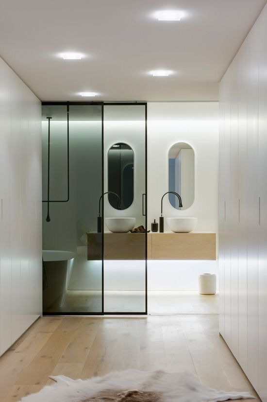sleek minimal bath via desire to inspire — explore our parcels of elevated essentials for minimalist design enthusiasts @ minimalism.co