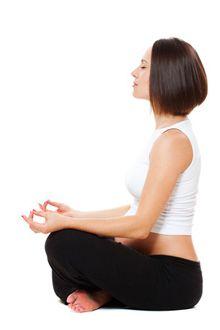 Gode yogaøvelser for gravide: Når yoga er så velegnet til gravide, så er det bla., fordi yogaens stillinger og øvelser effektivt kan afhjælpe typiske graviditetsgener, som trætte ben og ondt i lænd og ryg ...