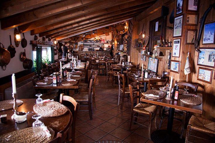 Chalet Etoile , Cervinia, Italia. Per il Telegraph, è un istituzione da 40 anni. Da assaggiare i ravioli di granchio, gli spaghetti all'aragosta e il filetto di renna in tempura