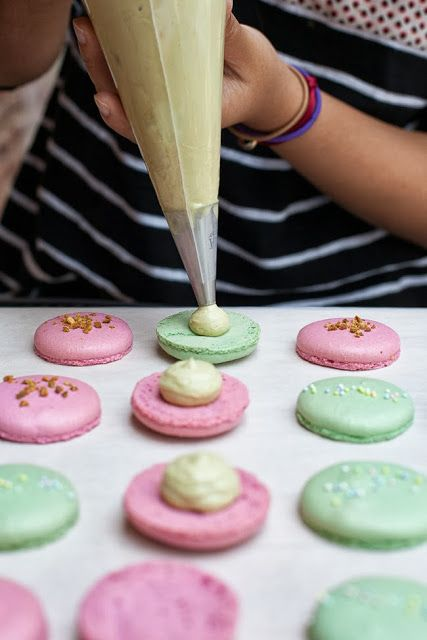 Make homemade macarons - Bake Off style! Lan's Macarons / blog.jchongstudio.com