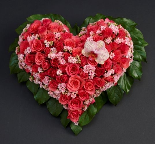 A heart is a beautiful and personal greeting - Grief Works - Flower af Hansen AS