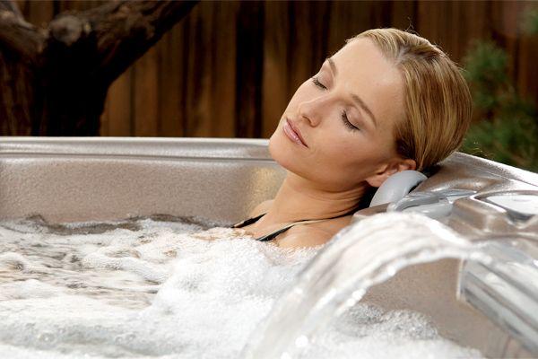 6 Manfaat Mandi Air Panas Yang Boleh Buat Anda Jadi Lebih Sihat and Cantik   http://www.wom.my/ada-apa/manfaat-mandi-air-panas/