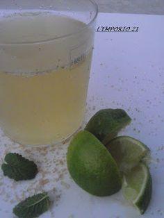 Una delle bevande dell'estate nella sua versione analcolica.http://lemporio21.blogspot.it/2012/08/lo-strano-caso-del-mojito-analcolicoil.html