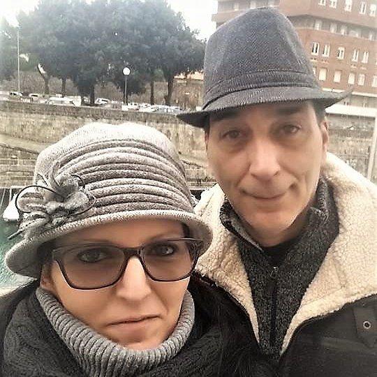 Grazie a Daniela e Angelo per avermi inviato questa foto dove indossano due miei modelli lungo i nostri amati Fossi di Livorno  #livorno #toscana #tuscany #hat #hats #cappello #cappelli #modisteria #instalike #instalife #instamoment #madeinitaly #artigianato #likeforlike #l4l #like4like