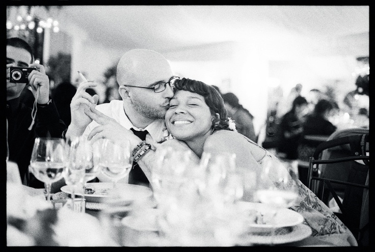 """""""En España existen muy buenos fotógrafos de bodas. Si no tienes restricciones de presupuesto, puedes optar por los mejores.  Si celebras tu boda en Madrid, una excelente alternativa te la ofrece Edward Olive, uno de los más prestigiosos fotógrafos, y flamante ganador del World Photography Gala Awards 2010, en fotografía de bodas.""""  edwardolive@hotmail.com  605610767  http://www.edwardolive.info/Galeria-fotos-de-boda-wedding-photos.php"""