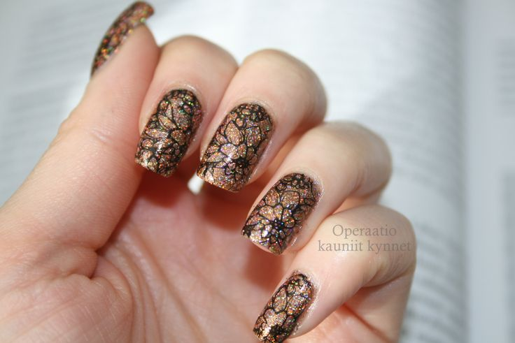 F.U.N Lacquer - Royal Chapel with MoYou London Pro XL Collection 06