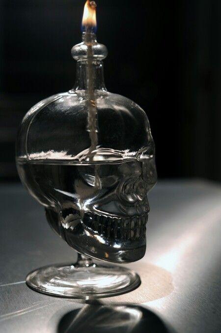 Skull oil burner