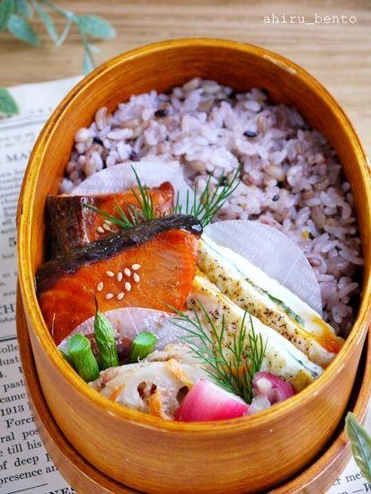 2015.11.9のお弁当【鮭の照り焼き弁当】 |曲げわっぱのあひる弁当