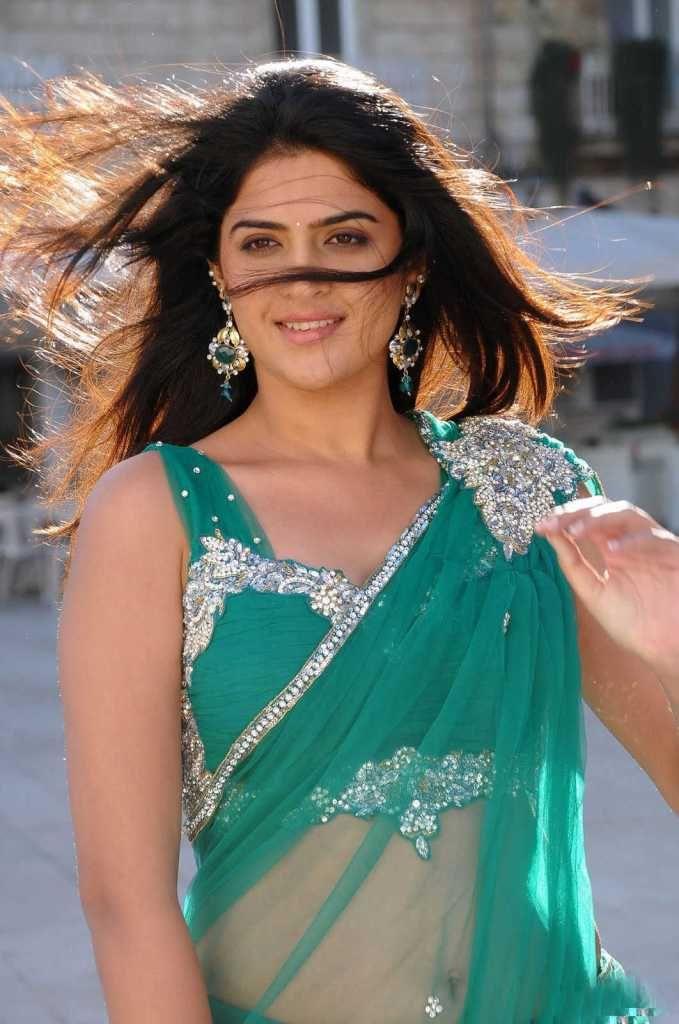 Deeksha Seth Hot In Green Saree