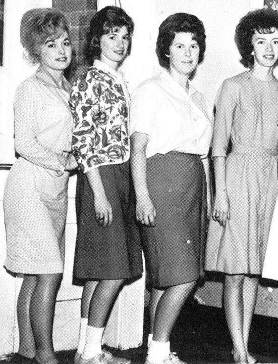 DOLLY PARTON (far left) & fellow students - Sevierville County High School - Sevierville, Tennessee