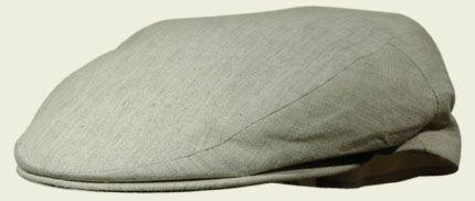 Berretto piatto intero in lino irlandese, colore naturale.  #caps #accessories #hatter #summercaps #berretti   #fashion #unisex #vintage#revival #cottonhat  #white #bianco #beige #sand #classic #classy #preppy #college #style #pastel
