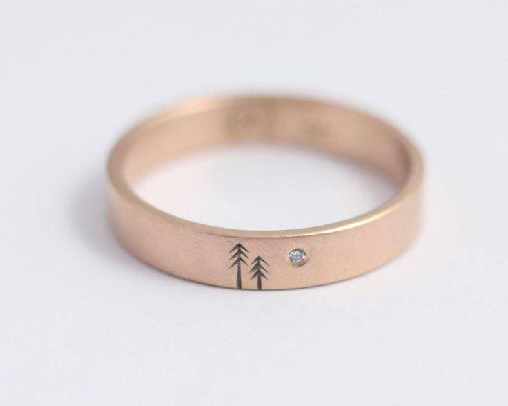 Single Pine Tree Ring with Single Diamond