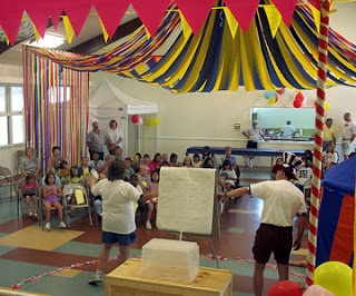Crepe paper big top on the cheap vbs ideas pinterest big top and crepe paper - Cheap circus decorations ...