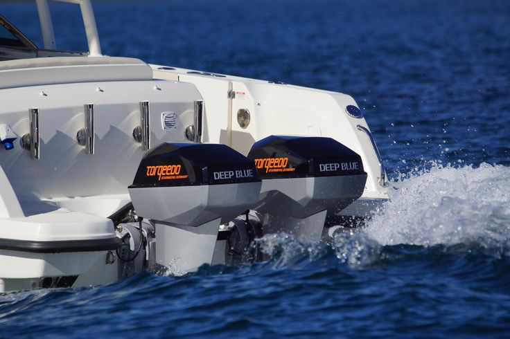 Torqeedo Deep Blue 80HP en version Twin. A voir sur www.hors-bord-electrique.com