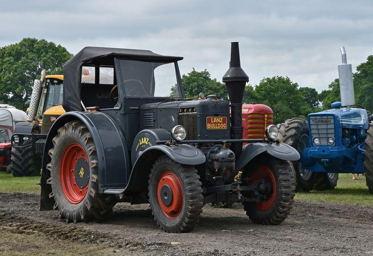 https://flic.kr/p/LeSA2y | Lanz Bulldog Tractor