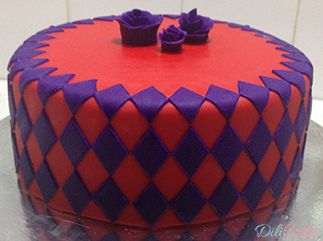#marvelousmold #onlay #diamonds #diamondcake #roses #fondantroses #purpleandredcake #chocolatecake #cake #dilicakes