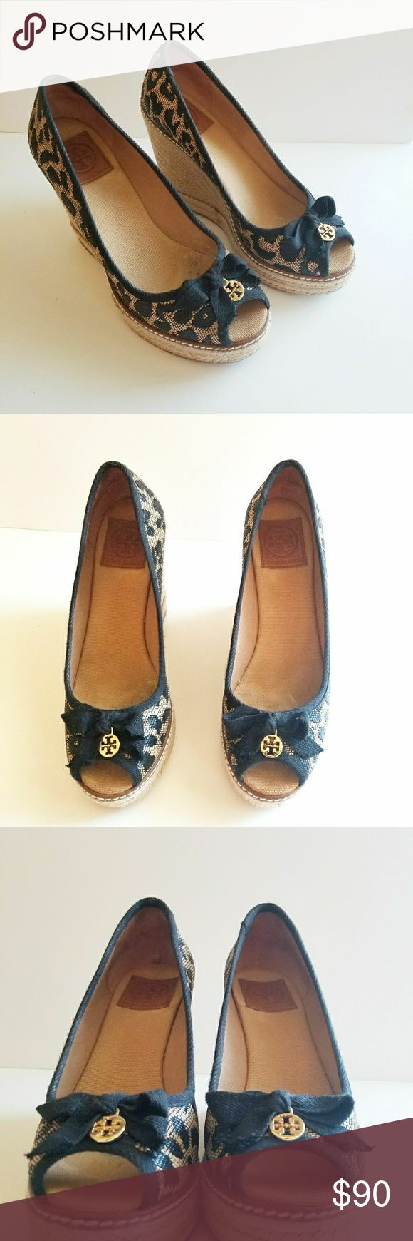 EUC Tory Burch Jackie Leopard Espadrille Sz 9 EUC Tory Burch Jackie Leopard Espadrille Sz 9. Worn handful of times and soles in great condition (pic 5). Original box. Style 11148425. Color 246 Natural/Black Tory Burch Shoes Espadrilles