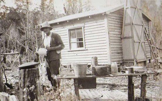 miner's hut, Moonlight