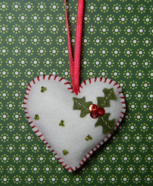 Tuto déco de Noël : coeur en feutrine                                                                                                                                                     Plus