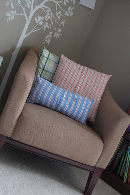 DIY Button Down Shirt Pillow & 22 best Shirt Pillows images on Pinterest | Dress shirts Pillow ... pillowsntoast.com