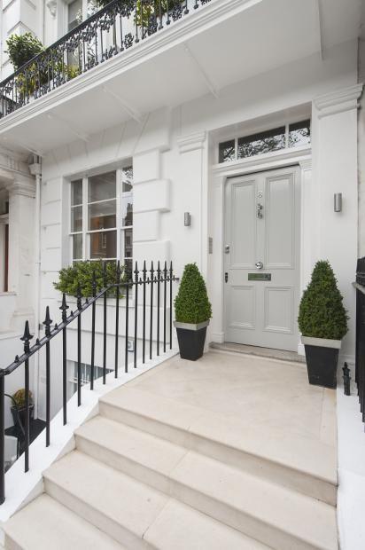 Ovington Square, London. For similar door furniture click below: https://www.priorsrec.co.uk/door-furniture/c-p-0-0-3