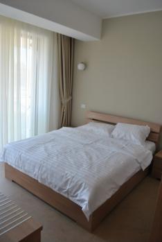 http://www.cazarepelitoral.ro/cazare-mamaia/apartament-sara-26.html    Apartament Sara 26 este situat într-unul din cele mai Deluxe Ansambluri de apartamente Tudor's, situate în centrul stațiunii Mamaia, zona Cazino la 2 minute de plajă.  Situat într-o poziție ideală, în centrul stațiunii Mamaia, zona Cazino, acest apartament cu 2 camere exclusivist excelează prin confort şi eleganţă.  Apartamentul Sara 26 este situat la etajul 2 al imobilului spațios, circa 60 MP dotat şi utilat…