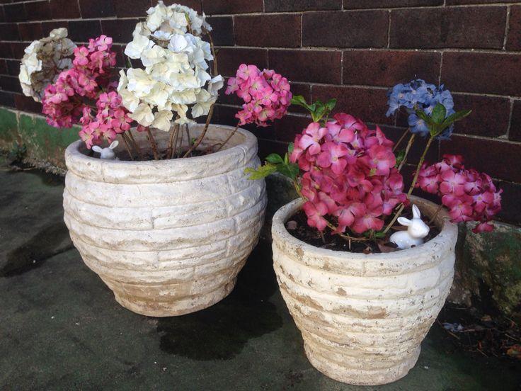 Brick pattern pots
