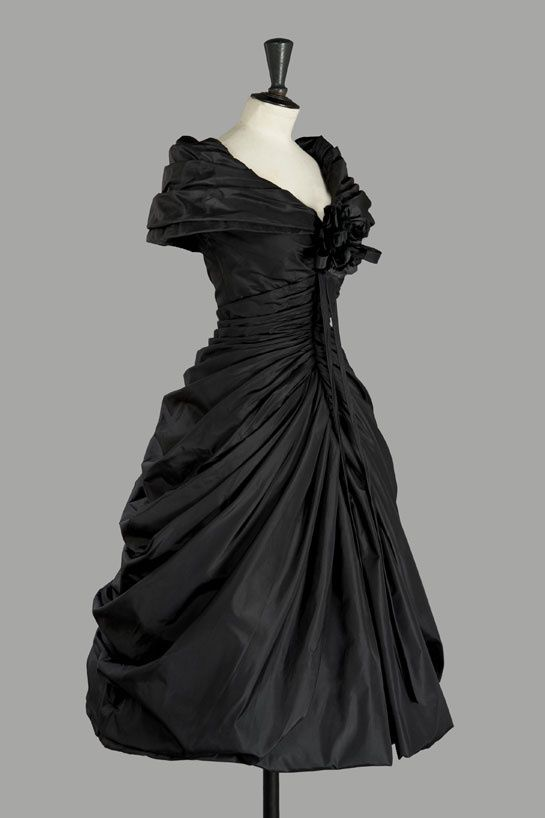 Christian Dior | 1957...Why did we ever stop dressing like this?!?!