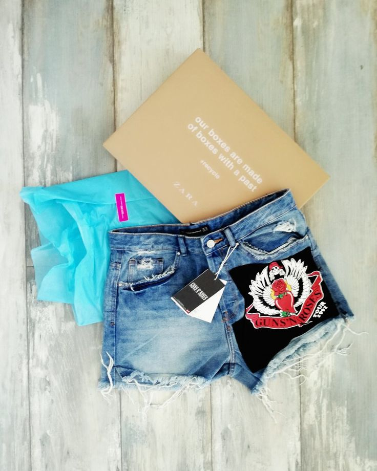 Jeans shorts. Zara. Guns n roses. Rock