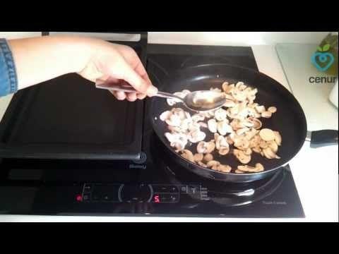 Pollo con Salsa de Champiñones - Dietas Online Cenur.es - Recetas light - Cocina Sana