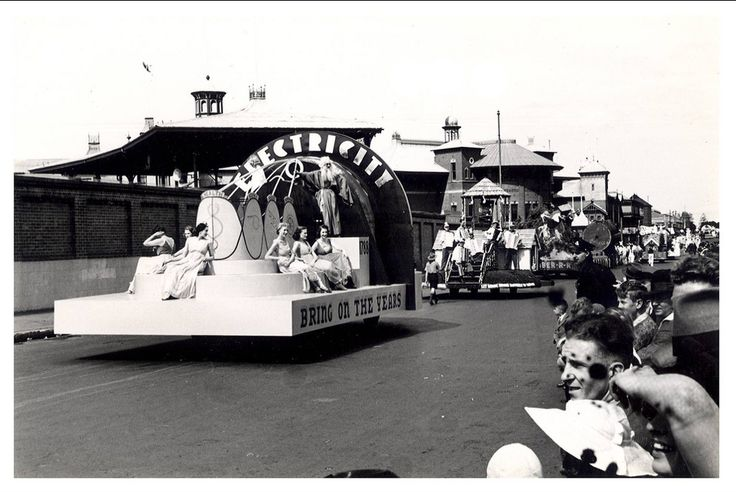 """Image 21806130 - An Electricity float, which formed part of the """"Australia's March to Nationhood"""" parade on January 26th, 1938. This image was taken in Driver Avenue, Moore Park. [RAHS Australia Day 1938 - Sesquicentenary Celebrations Collection]"""