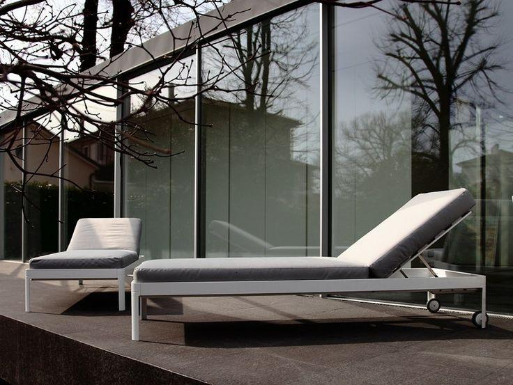italian furniture makers. espreguiadeira de jardim com rodzios plane for sun icarraro italian makers furniture