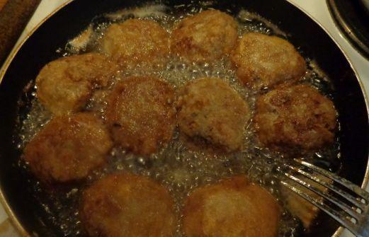 Συνταγή: Κεφτέδες ,συνταγή της γιαγιάς ,ίσως οι ωραιότεροι τραγανοί παραδοσιακοί κεφτέδες !!!