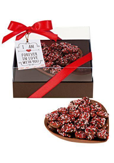 Dia dos Namorados: Chocolates e doces irresistíveis para presentear   MdeMulher