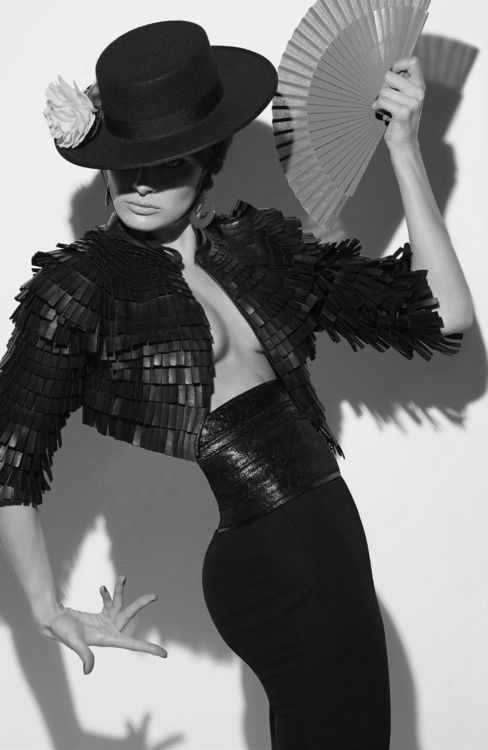 """vogue-at-heart: Isabeli Fontana in """"Tentadora"""" for Vogue Italia, August 2014 Photographed by Steven Meisel"""