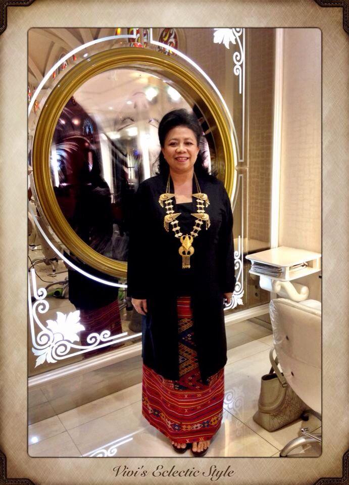 Wearing my Long Kebaya made from Sengkang silk (handwoven silk from Sengkang, Makassar-Indonesia). Tenun Buna Sarong (handwoven Sarong from NTT, Indonesia) and ethnic necklace from Karo-North Sumatera. Copyrights Vivi Kembang Tanjoeng.