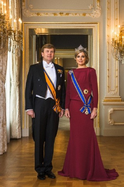 First offcial pictures of the new King of Netherlands, Willem Akexander and his wife Queen Maxima of Netherlands
