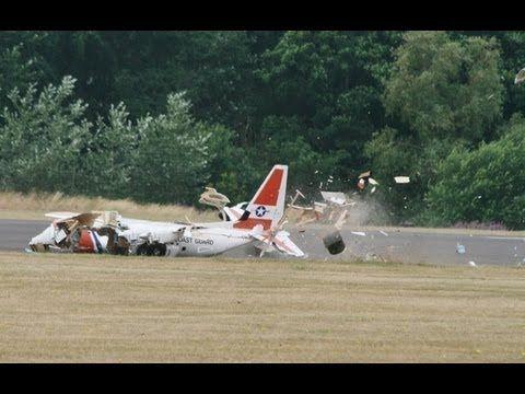 4 X RC PLANE CRASHS AT THE LMA RC MODEL AIRCRAFT SHOW AT RAF COSFORD - 2013 - http://atosbiz.com/4-x-rc-plane-crashs-at-the-lma-rc-model-aircraft-show-at-raf-cosford-2013/