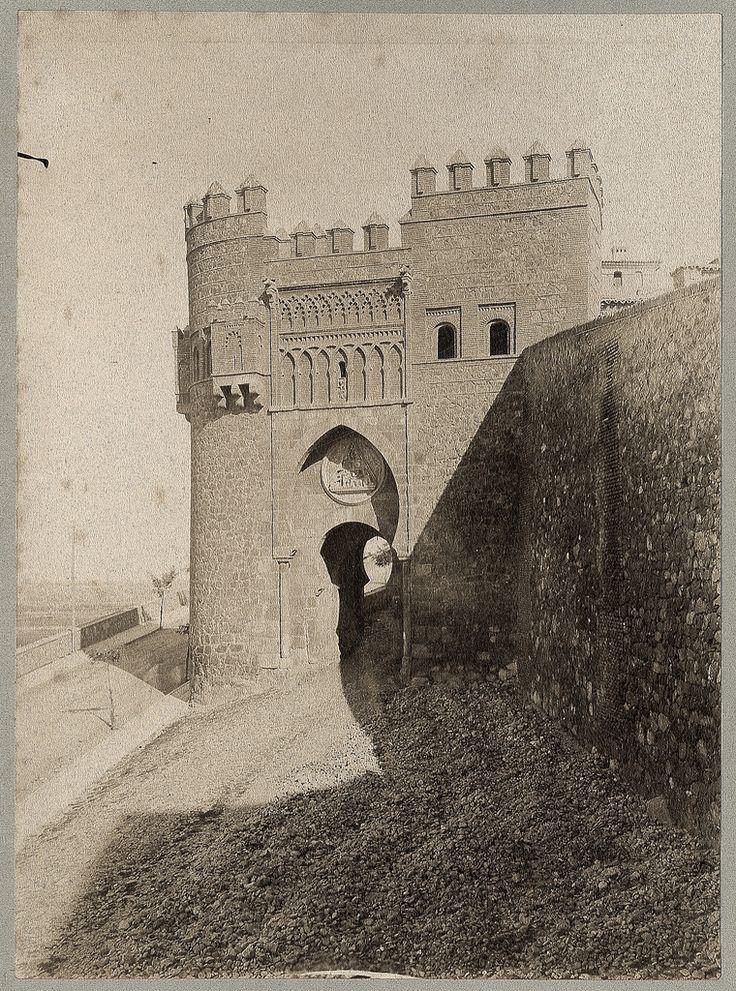 Puerta del Sol en 1886 © Archives départementales de l'Aude - Eduardo Sánchez Butragueño
