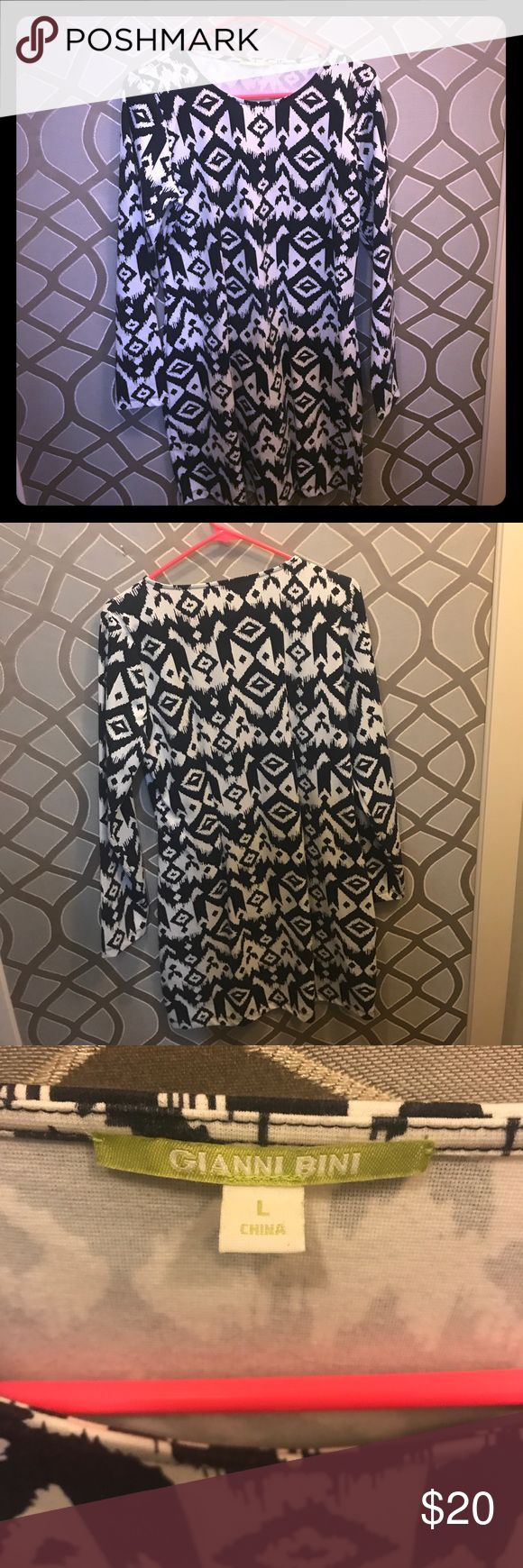 Gianni Bini tribal print dress! Super cute white and navy tribal print dress by Gianni Bini. Size large. Like new condition. Great with leggings and boots for fall! Gianni Bini Dresses