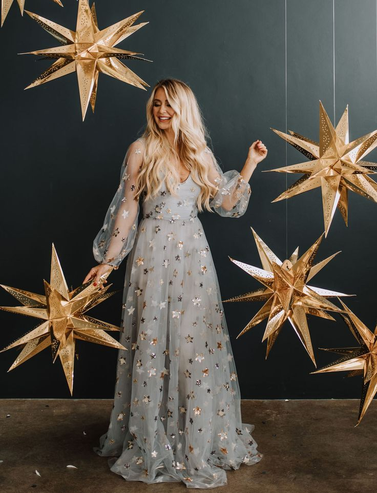 A Star is Born: Gold + Gilded Midnight Magic to Bring in the New Year – Green We…
