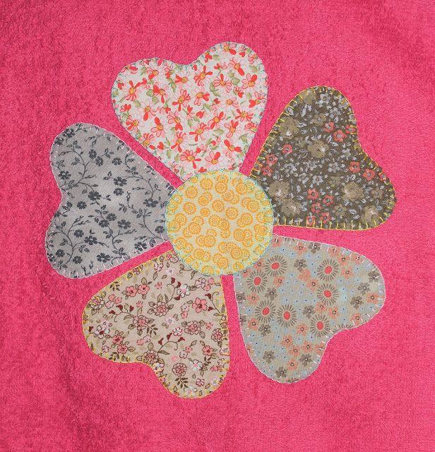 cocodrilova: albornoz personalizado flor #albornozpersonalizado #albornoz #hechoamano #albornozflor  albornoz-personalizado-flor