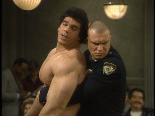 Still of Lou Ferrigno and Richard Moll in Night Court (1984)