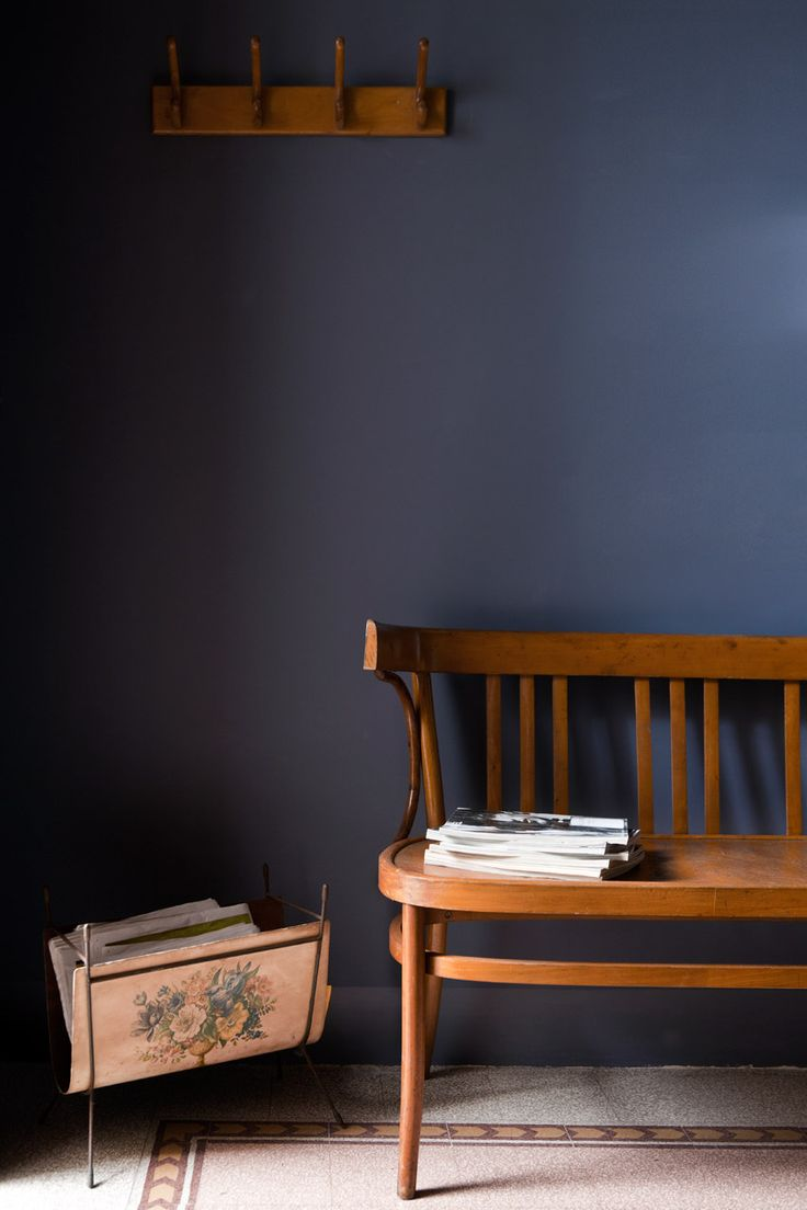 Juniper Ash- Little Greene on wall + vintage finds. Roma. Interior designer cristianabiraschi.com
