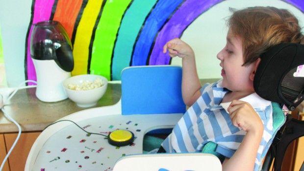 #QueFaireAvecUnContacteur #Idées d'activité #ludique à faire avec un #contacteur #blog #Polyhandicap #HopToys