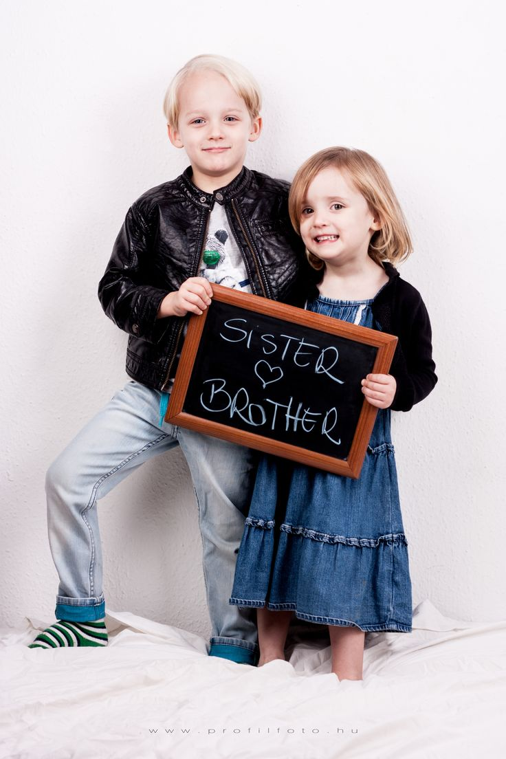 sister and brother - www.profilfoto.hu photo by Krisztina Mate - #sisterandbrother #childphotography #siblings