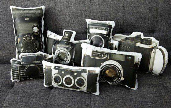 love: Vintage Camera, Idea, Living Rooms, Vintage Wardrobe, Camera Pillows, Cushions, Canvas, Throw Pillows, Photo