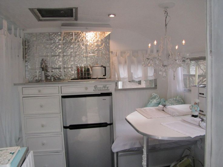 Tiny travel trailers. Shabby chic Scotty interior.